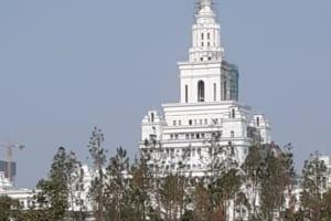 Bọc Phủ Chế Tạo Cổ Tháp Cho Đại Học Vinuni Gia Lâm Bằng Composite